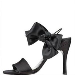 Stuart Weitzman sexy heel w/bow